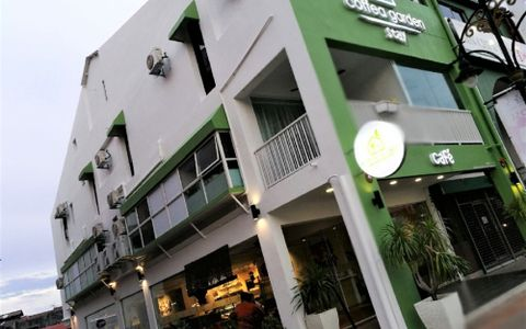 Coffea Garden Café & Stay